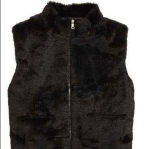 Sovereign Code Sharon Faux Fur Zip Vest